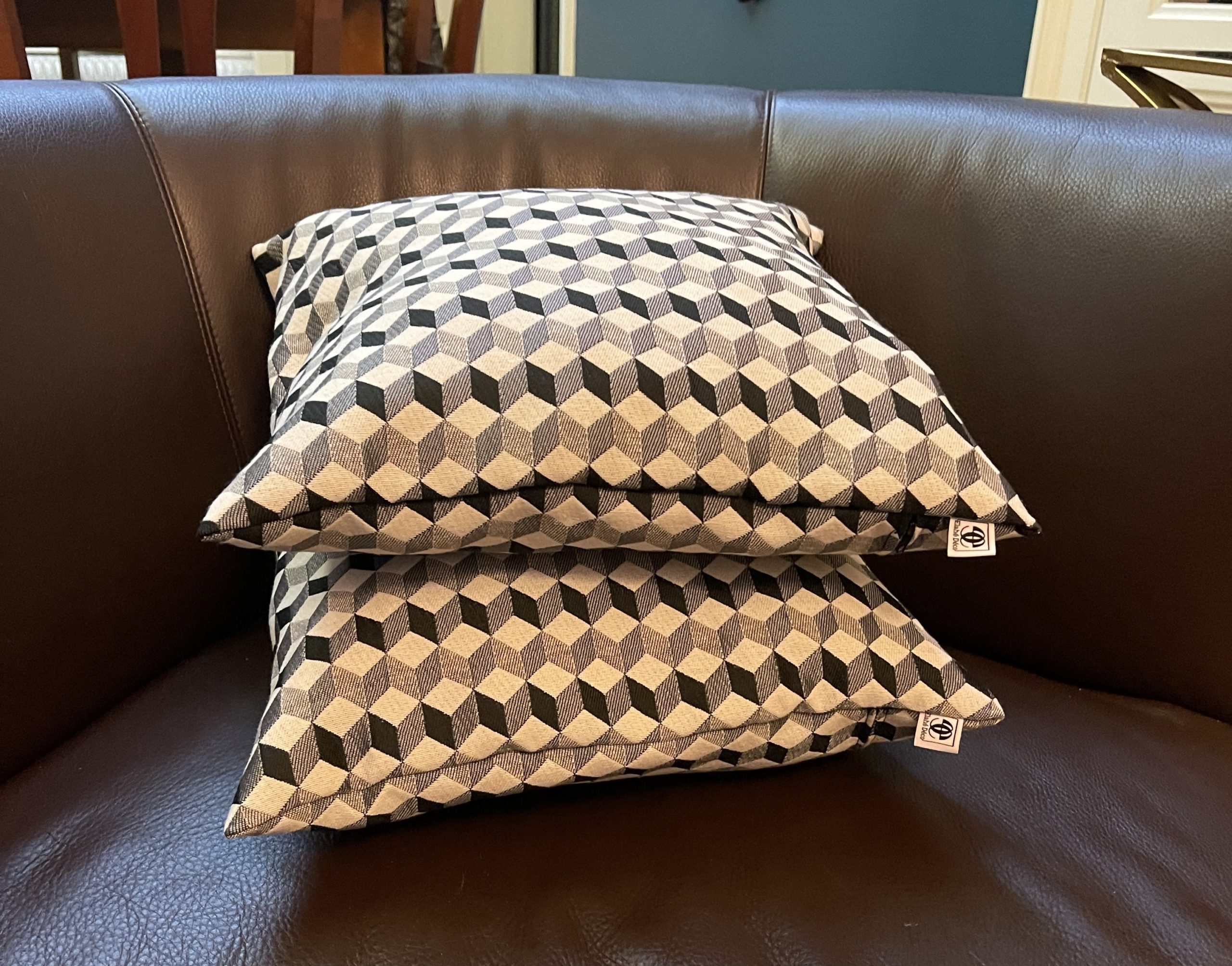 coussin carrés tissu géométrique - Elahé Déco